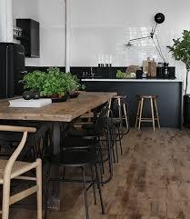 table cuisine bois brut meubles de cuisine en bois brut a peindre customiser un meuble de