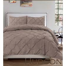 Washer Capacity For Queen Size Comforter Best 25 Taupe Bedding Ideas On Pinterest Taupe Bedroom White