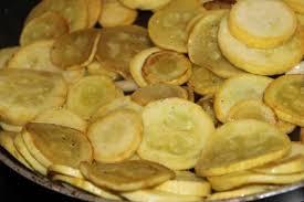 cuisiner les courgettes jaunes recette poêlée de courgettes jaunes toutes les recettes allrecipes