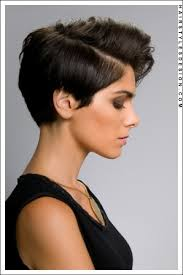 hair styles with your ears cut out best 25 feminine short hair ideas on pinterest long pixie