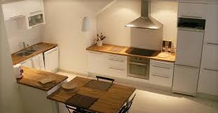 cuisine plan de travail en bois cuisine grise avec plan de travail bois en photo newsindo co