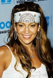 jlo earrings in 2000 wearing hoop earrings of