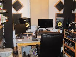 Studio Monitors On Desk by Recording Studio Online Home Recording Tips Techniques U0026 Reviews