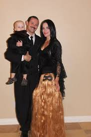 Addams Family Costumes Awesome Halloween Costumes That Will Amaze Thechive