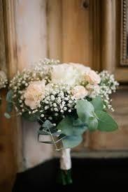 fleurs blanches mariage bouts de banc fleurs mariage mariage chêtre décoration