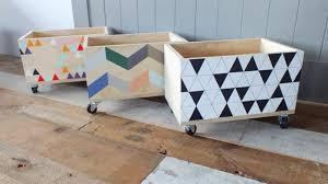 meubles rangement chambre le coffre à jouets idées décoration chambre enfant archzine fr