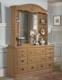 Country Style Bedroom Furniture All Wood Country Style Bedroom W Carved Wood Accents