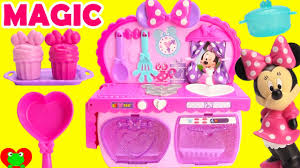 Pink Retro Kitchen Collection Cooking With Minnie Mouse U0027s Magical Kitchen Surprises Youtube
