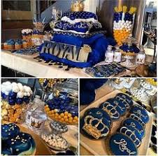 blue and gold balloon centerpiece using 5