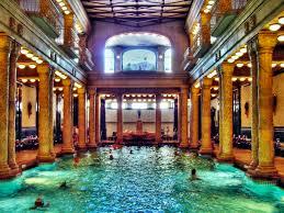 bagno termale e piscina széchenyi terme budapest le più terme di budapest