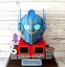 optimus prime cakes transformers optimus prime 3d helmet cake cake by violet the