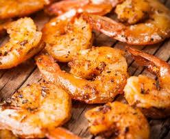 comment cuisiner les crevettes congel馥s crevettes sautées à l ail et au citron vert recette de crevettes