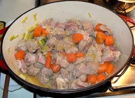cuisiner une blanquette de veau blanquette de veau à l ancienne une cuisine pour voozenoo