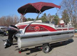 tracker bass buggy fishing pontoon boat w 40hp mercury outboard