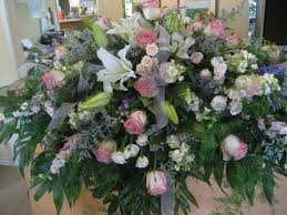 how to make a casket spray casket sprays traditions flowers and gifts