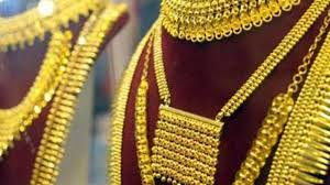 tamil nadu gold ornaments worth rs 1 5 crore looted at knife point