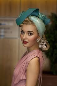 214 best 1940 images on pinterest make up hairstyles and 1940s
