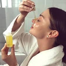 Miranda Kerr Home Decor by Miranda Kerr U0027s Overnight Pimple Treatment Is So Easy