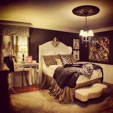 Marilyn Monroe Bedroom by Ireland U0027s Chanel Themed Bedroom With Houndstooth Curtains And