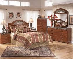 Grand Estates Sleigh Bedroom Set Fairbrooks Estate 4pc Poster Bedroom Set