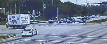 fine for running a red light fair police officer fines himself for running red light gets 160