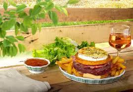 cuisine chasse sur rhone patata burger porvençal picture of restaurant la pataterie chasse
