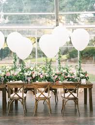 the new wedding decoration trend we u0027re loving balloons so many