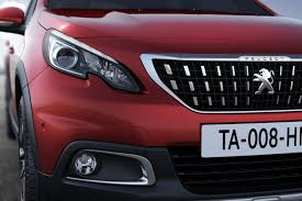 peugeot 2008 black 2016 peugeot 2008 facelift doesn u0027t look half bad autoevolution