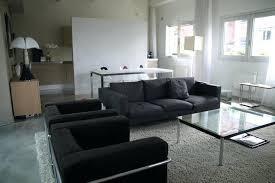 déco canapé noir deco canape noir optez pour un salon chic et aclacgant par