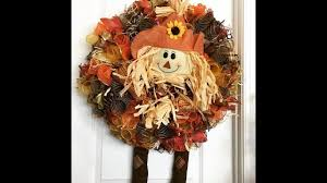 How To Make Halloween Wreaths by How To Make A Deco Mesh Scarecrow Wreath Using The Curly Method