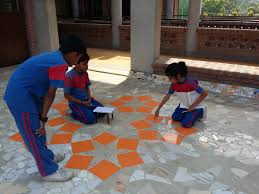 Floor Games by Building As Learning Aid Bala