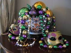 How To Make Mardi Gras Decorations Festive Diy Mardi Gras Decorations Made With Mardi Gras Beads