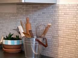 credence cuisine autocollante j ai testé le carrelage mural adhésif smart tiles par valys