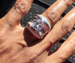 hilary duff engagement ring omarosa manigault dishes on all her wedding details and the ring