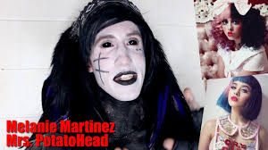 goth reacts to melanie martinez mrs potato head music video