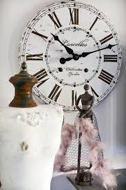 Horloge Murale Ronde Blanche Avec La Tendance Horloges Murales Décorez Avec Du Style Archzine Fr