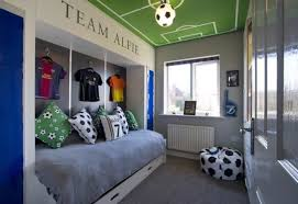 Cool Bedroom Decorating Ideas Football Bedroom Decorating Ideas Plus Football Party Prizes Plus