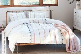 bedding blog quilty pleasures our favorite spring bedding anthropologie blog