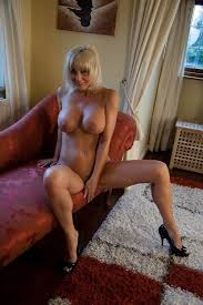 Milfs In Panties   Huge Busty Moms BBW MILF Pics