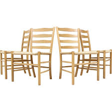 chaise d église ensemble de 4 chaises d eglise en chêne kaare klint 1950 design