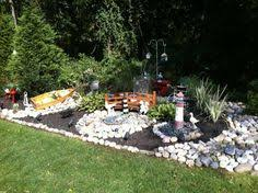 nautical garden landscaping ideas from a home that goes all the