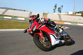 2017 honda cbr1000rr superbike test motorcyclist