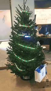 button u0027s programmable twitter connected led decorated christmas tree