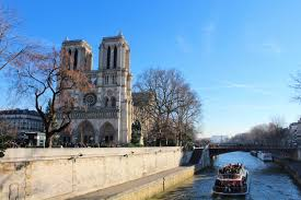 ten fun facts about paris did you know green and turquoise
