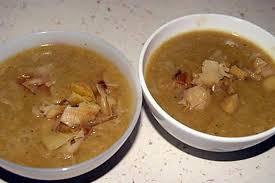 que cuisiner avec des poireaux recette de soupe de poireaux avec dessus des blancs de poireaux