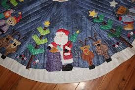 applique tree skirt