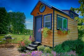Cheap Tiny Homes by Decor Natural Wood Tennessee Tiny Homes Design With Small Window