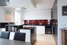 finition de cuisine grande cuisine avec îlot ouverte sur salon finition bi tiente
