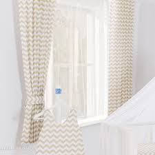 rideaux de chambre rideaux chambre bébé motif zigzag beige l jurassien