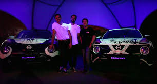 2016 nissan juke australia glow in the dark nissan jukes used as canvas by two graffiti artists